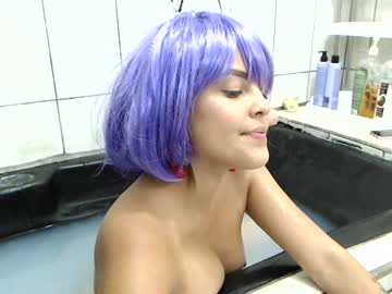 [03-03-20] bianca_and_lucy dildo