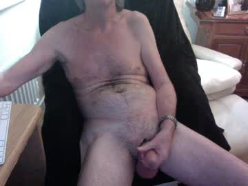 [04-03-20] ukmikey public show from Chaturbate.com