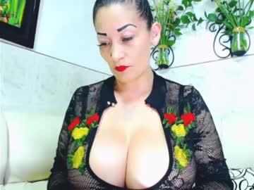[25-10-20] emma_saenzz cum
