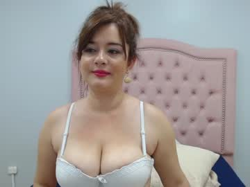 [10-05-20] natalyevans record public show from Chaturbate