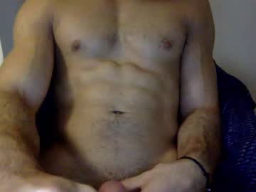 [21-10-20] athletic__bi show with toys