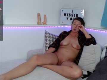 [25-04-21] angelicpussycat video with dildo