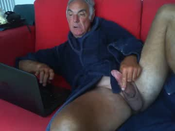 [30-10-20] maxenergiem public show video from Chaturbate