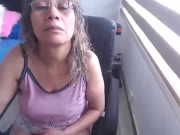 [08-04-21] yesi_hot record webcam video from Chaturbate.com