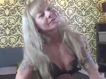 [03-12-20] fitnessmilf40 public show video from Chaturbate.com
