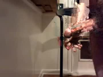 [04-12-20] louisvilleguy record public webcam video from Chaturbate