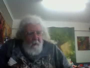 [11-08-20] bearfantasy record video with toys