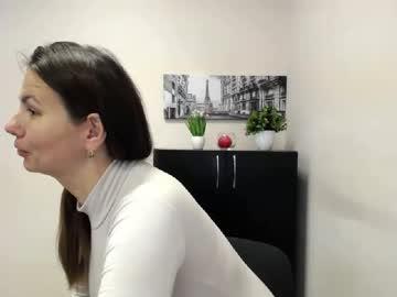 [26-10-20] charrlotte_ public show video from Chaturbate.com