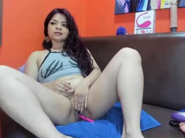 [18-01-21] lucy_hot01 chaturbate show with toys