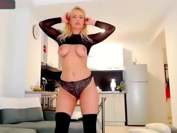 [28-05-20] holly_amy chaturbate show with toys