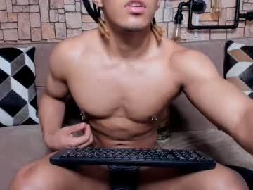 [28-05-20] bruceroldan show with cum from Chaturbate
