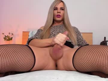 [12-10-21] anneladyboyxx webcam video from Chaturbate