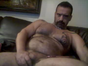 [27-03-20] themuscleb0ss video with toys