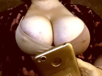 [12-11-20] amorelara cam video from Chaturbate