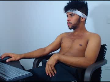 [15-04-20] x_tommy_777 public webcam from Chaturbate.com