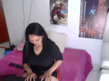 [22-12-20] yesikenjoy public show video from Chaturbate