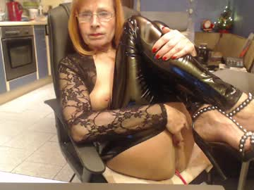 [08-12-20] sexysilvie3112 private show video from Chaturbate