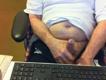 [05-07-20] ber52 public show from Chaturbate