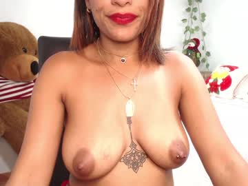 [23-11-20] rusellenicole_88 public webcam from Chaturbate.com