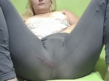 [03-08-20] mommy_k0rtney record private XXX show