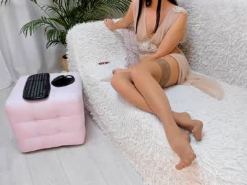[10-12-20] angelqueen1 public show from Chaturbate.com