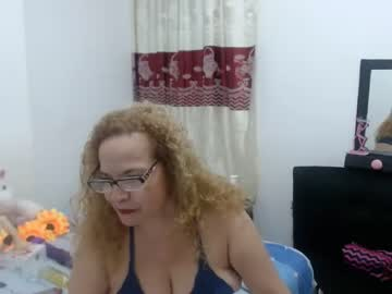 [10-08-20] amberlee67 record video with toys