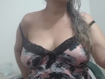 [02-01-21] momyhotxx public show from Chaturbate