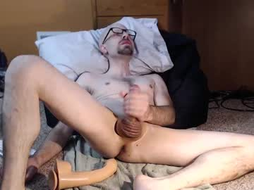 [20-10-20] tombomb13 public show from Chaturbate.com