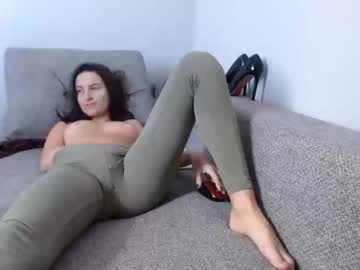 [27-10-20] berry_vicky video with toys