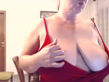 [19-08-20] hornykika private show from Chaturbate