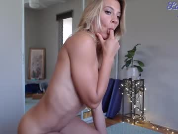 [24-03-20] lailagetsnaked video from Chaturbate.com