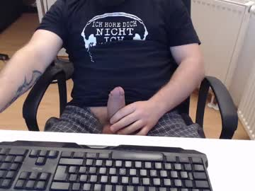 [22-03-20] robzombi record video with toys from Chaturbate