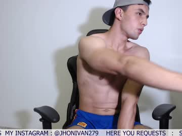 [22-10-20] ivanhot279 record public show from Chaturbate