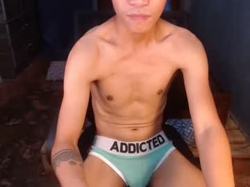 [27-10-20] asian_loverboi69 public show from Chaturbate.com