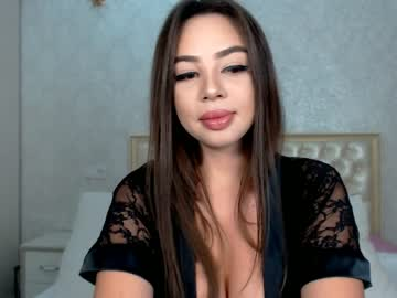 [28-01-20] nikkibloom video with toys