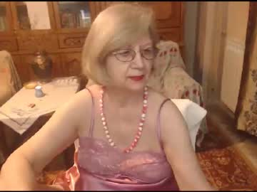 [17-06-21] divinecarla video with toys from Chaturbate