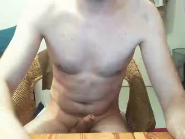 [21-02-20] germanguy1010 video with toys