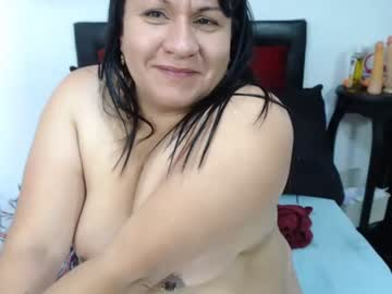 [22-10-20] lauramilfhot record webcam video from Chaturbate