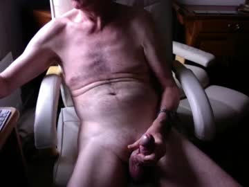 [17-10-20] ukmikey blowjob video from Chaturbate.com